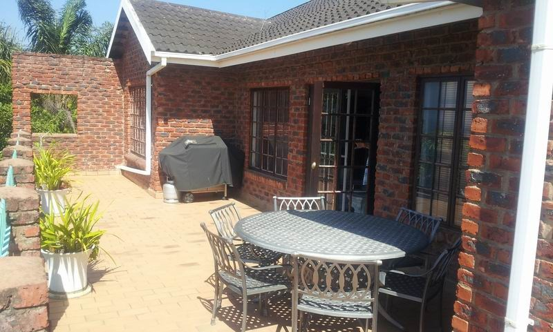 Uvongo property for sale. Ref No: 12733435. Picture no 15