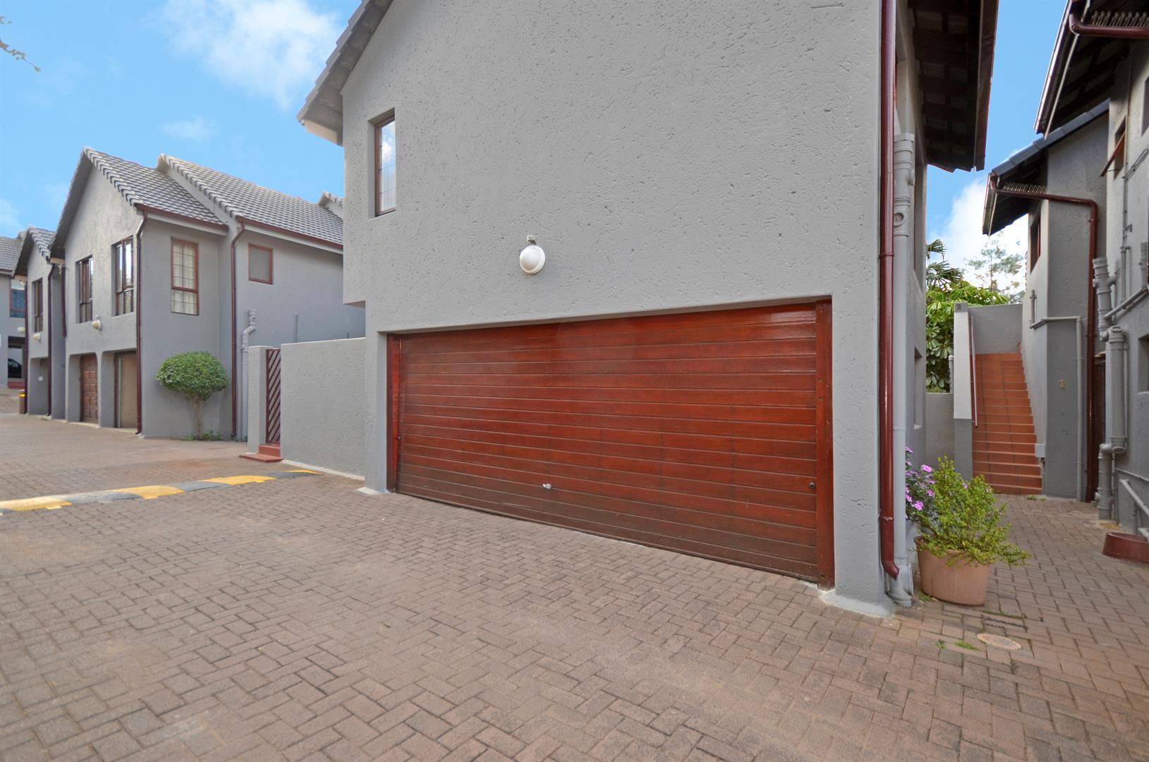 Johannesburg, Corlett Gardens Property  | Houses For Sale Corlett Gardens, Corlett Gardens, Apartment 3 bedrooms property for sale Price:1,250,000