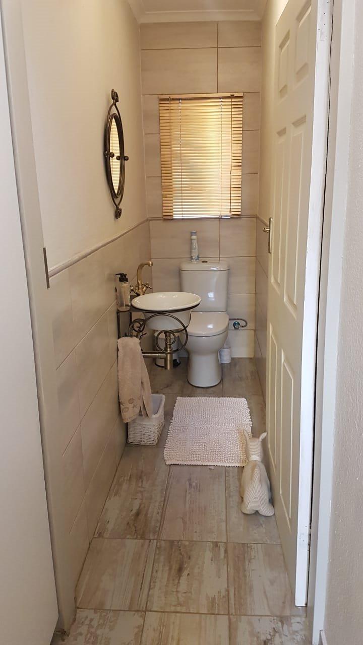 Rant En Dal property for sale. Ref No: 13648727. Picture no 12