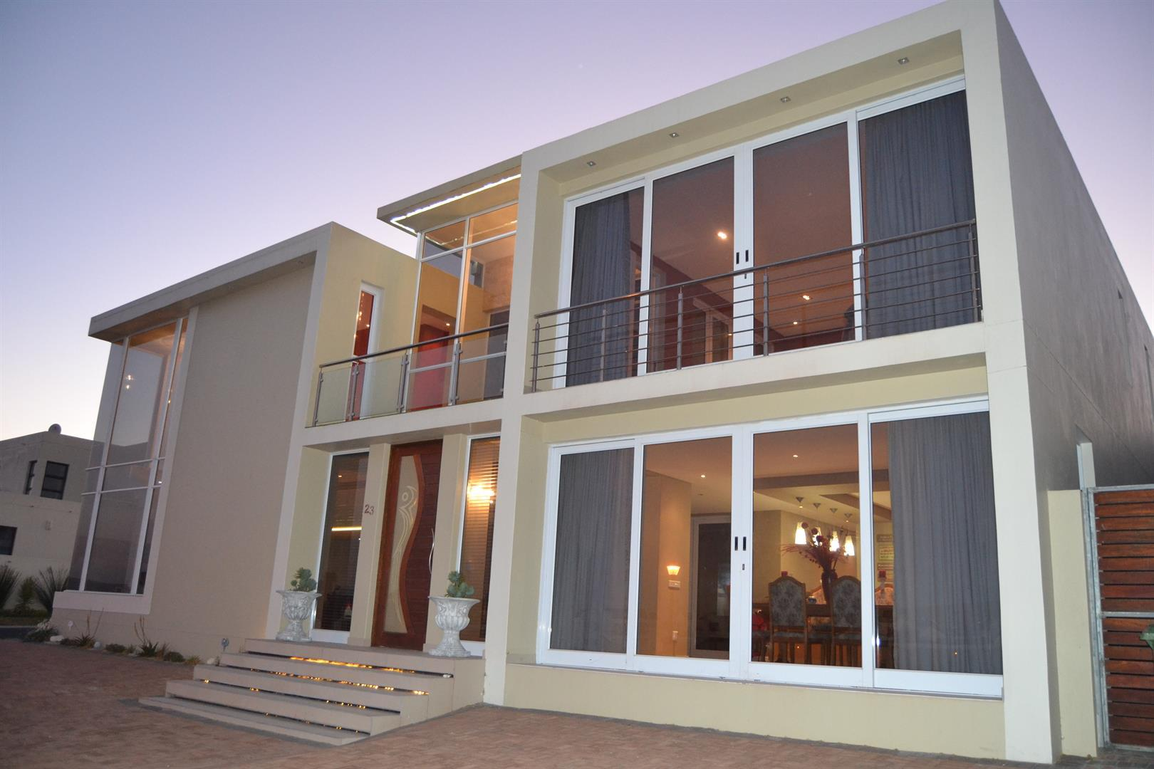 Property and Houses for sale in Calypso Beach, House, 4 Bedrooms - ZAR 4,290,000