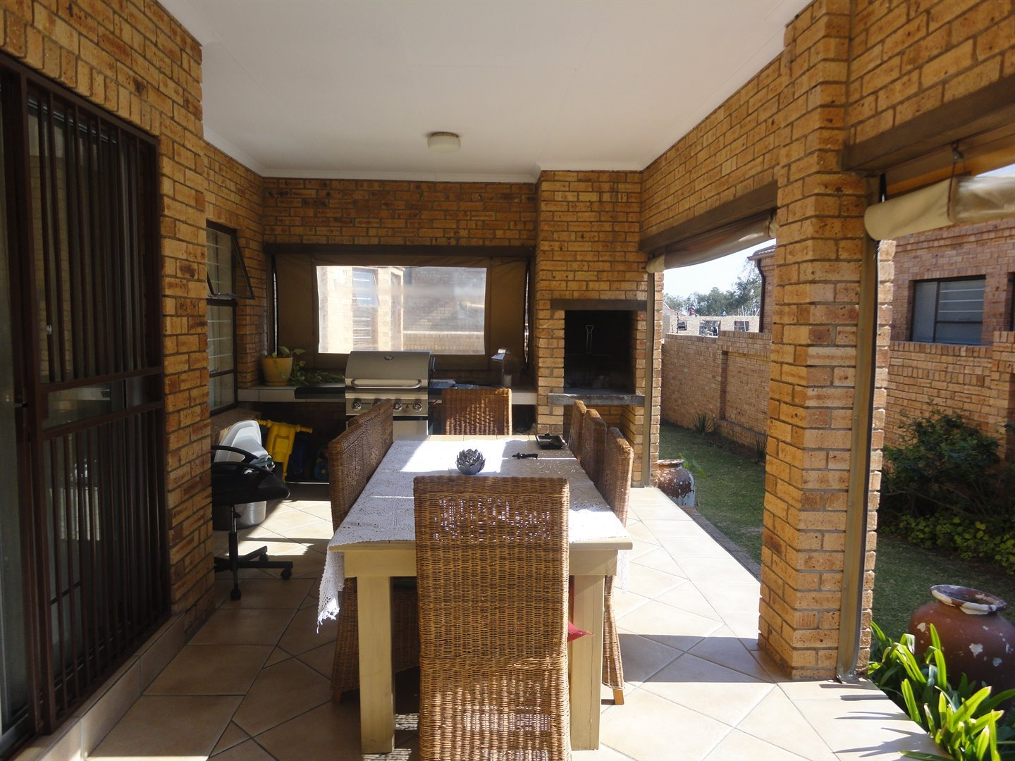 North Riding property to rent. Ref No: 13515054. Picture no 3
