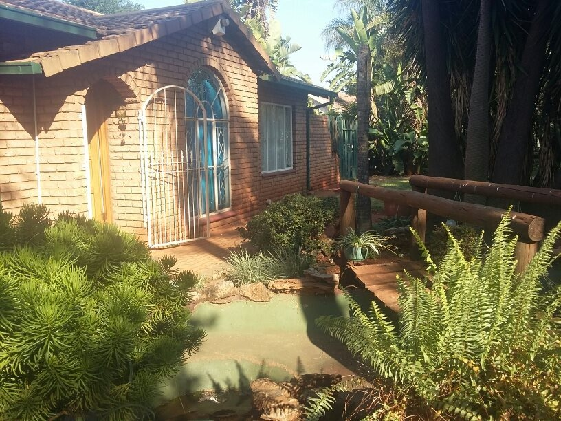 Property and Houses for sale in Hesteapark, House, 3 Bedrooms - ZAR 950,000