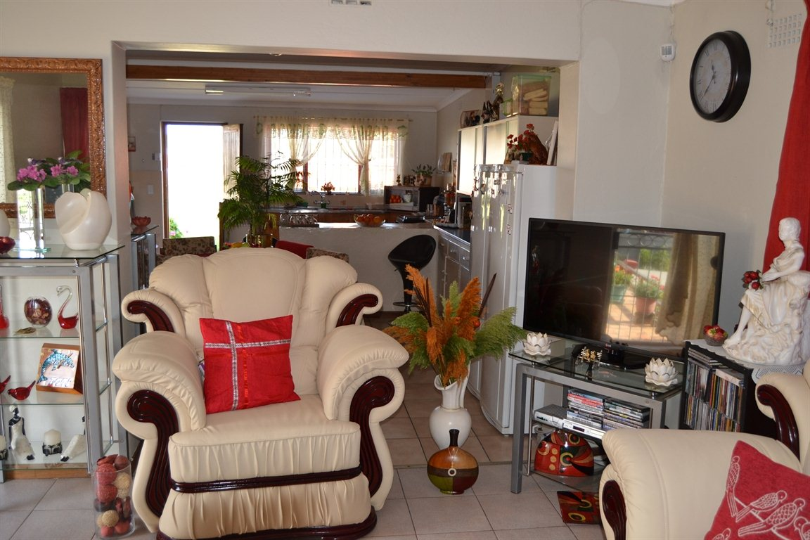 Lamberts Bay property for sale. Ref No: 13363306. Picture no 20