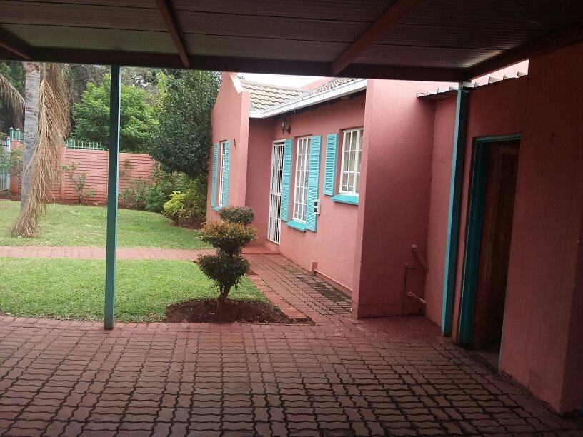 Clarina property for sale. Ref No: 13610732. Picture no 16