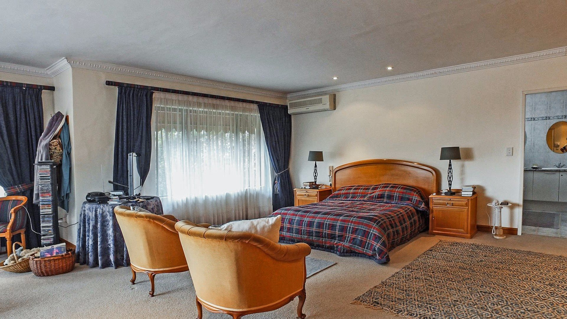 Northcliff property for sale. Ref No: 13537074. Picture no 11