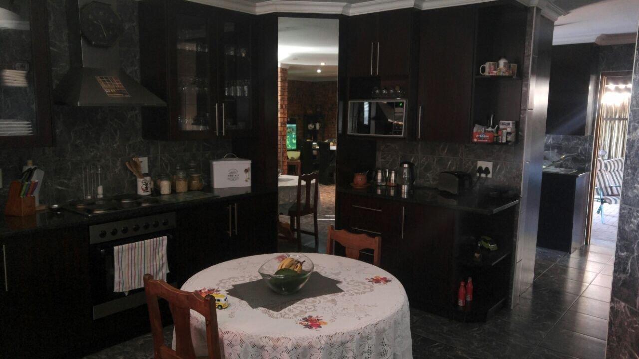 Vanderbijlpark Se8 property for sale. Ref No: 13508216. Picture no 10