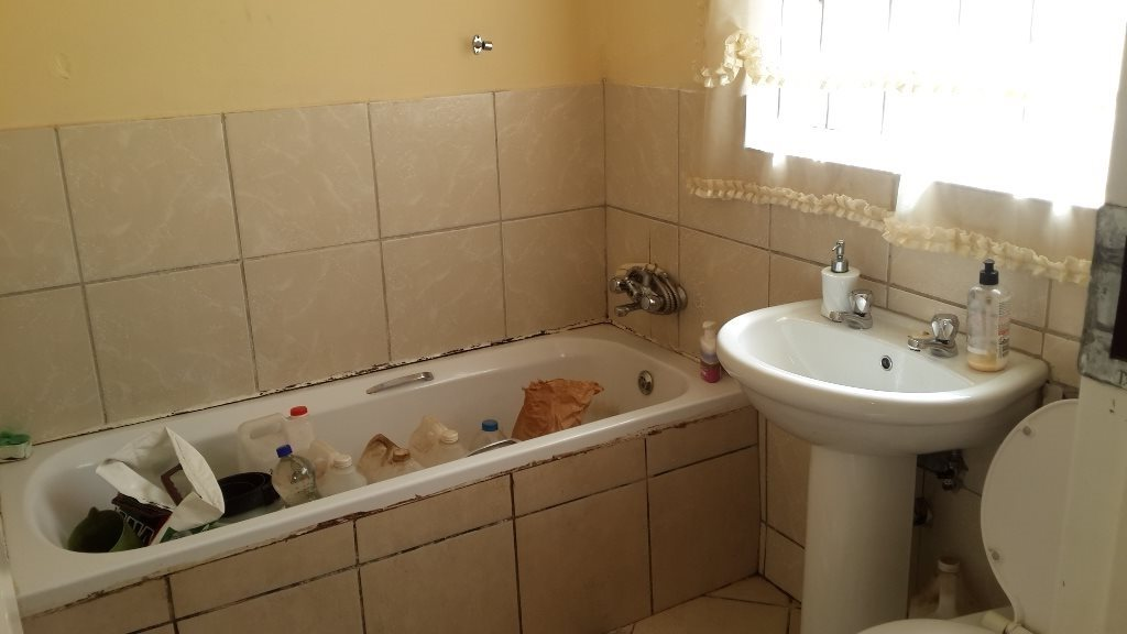The Orchards property to rent. Ref No: 13571412. Picture no 11
