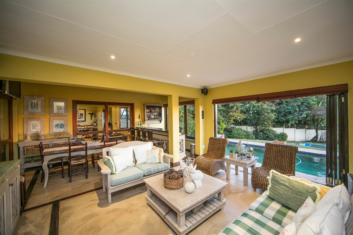 Fourways property for sale. Ref No: 13450350. Picture no 20