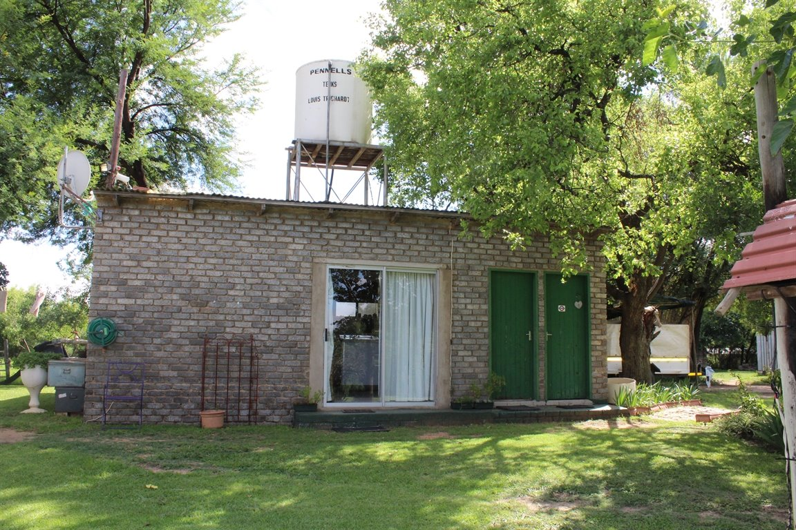 Potchefstroom property for sale. Ref No: 13414707. Picture no 9