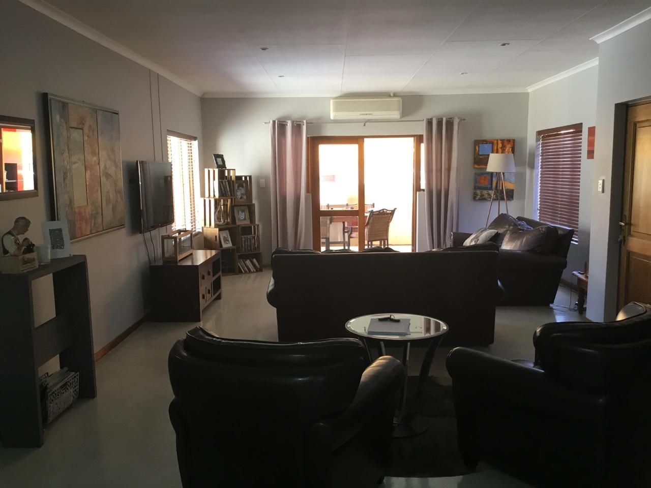 Silver Lakes Golf Estate property for sale. Ref No: 13460197. Picture no 6