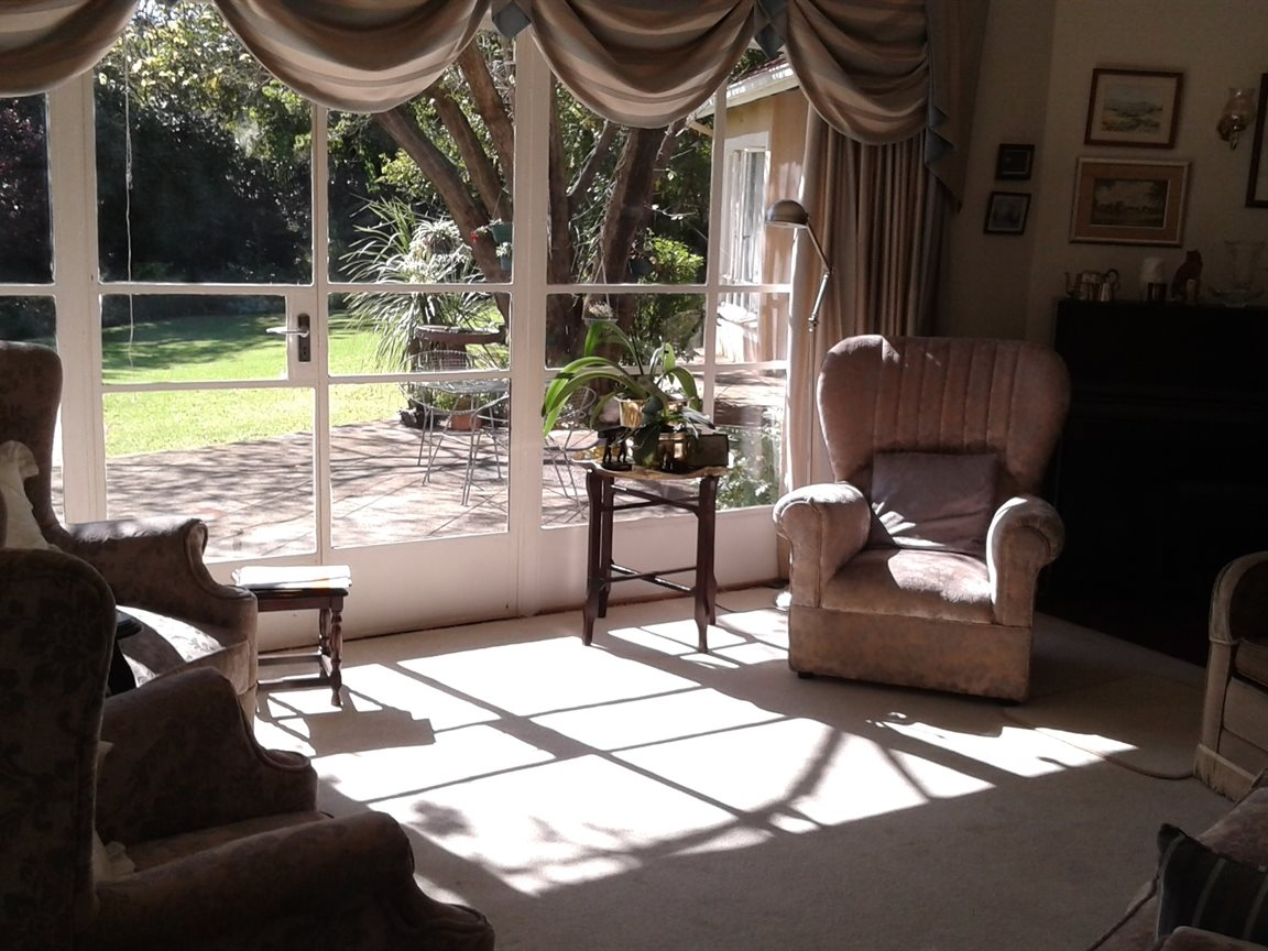 Northcliff property for sale. Ref No: 13327608. Picture no 4