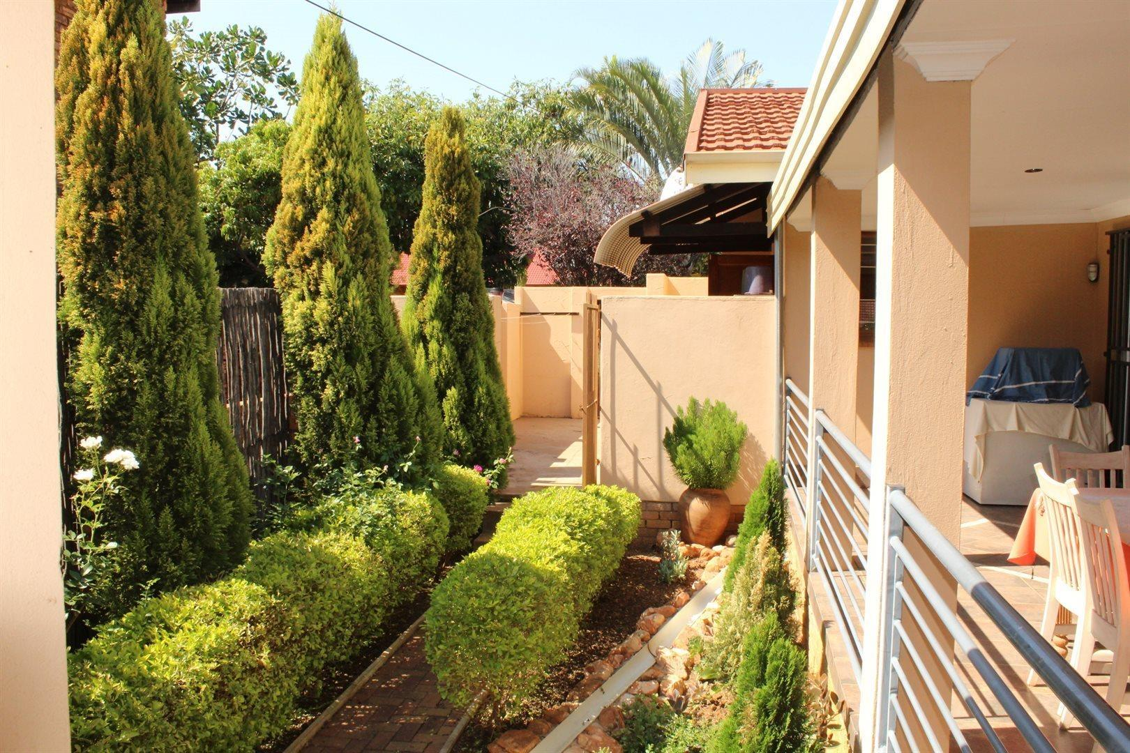 Karenpark property for sale. Ref No: 13566728. Picture no 1