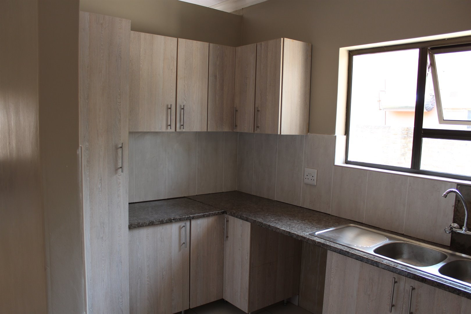 Potchefstroom Central property for sale. Ref No: 13458397. Picture no 4
