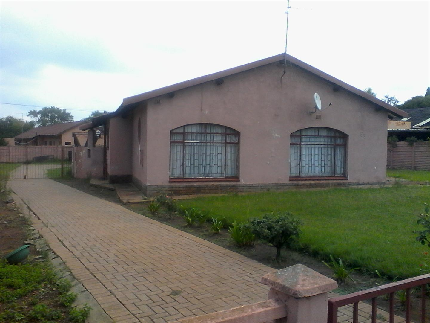 Steel Park property for sale. Ref No: 13462018. Picture no 3