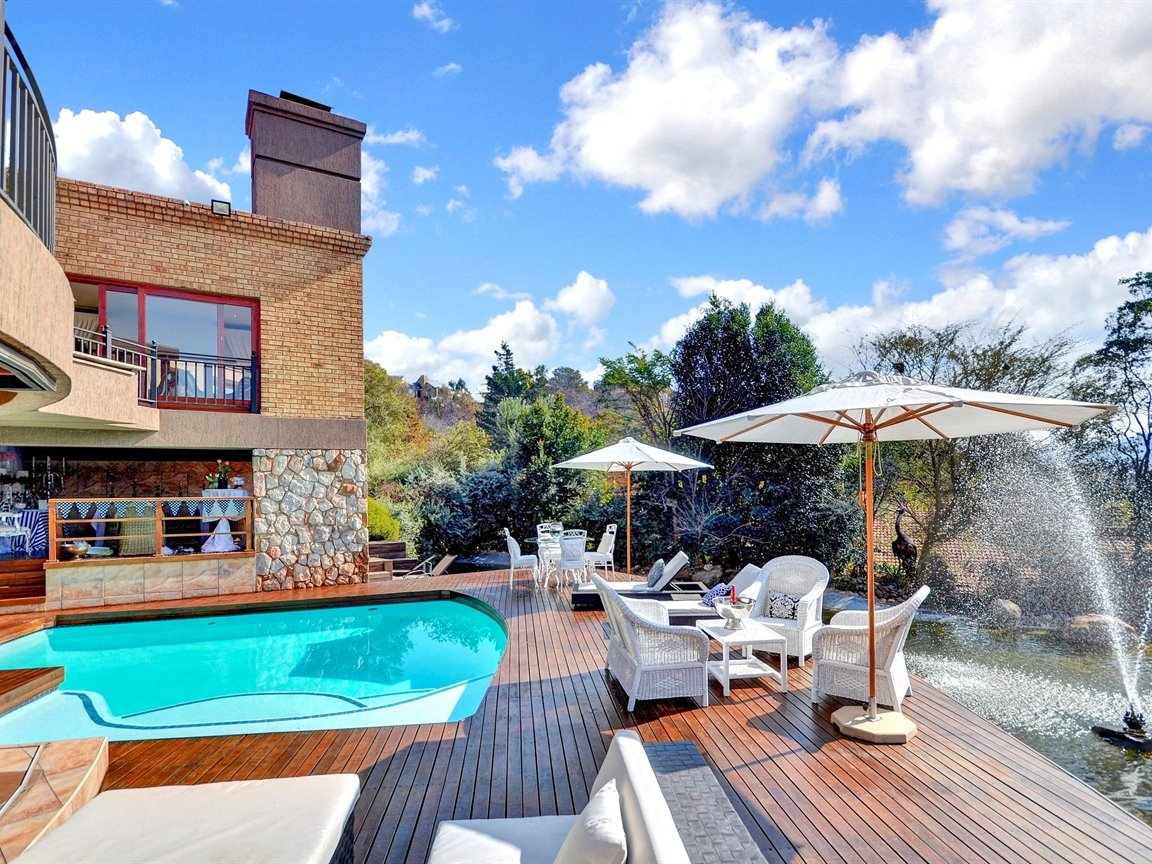 Glenvista property for sale. Ref No: 13390499. Picture no 24