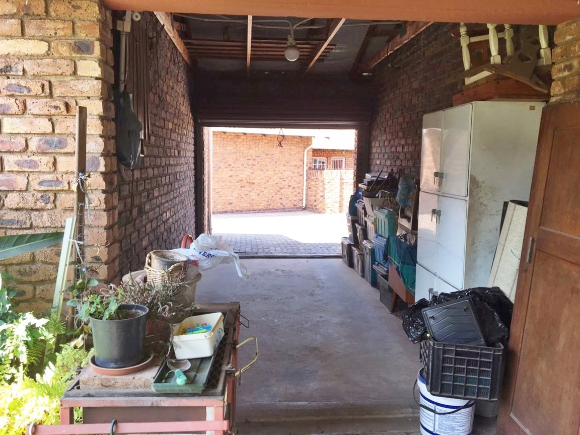 Krugersdorp North for sale property. Ref No: 13402342. Picture no 2
