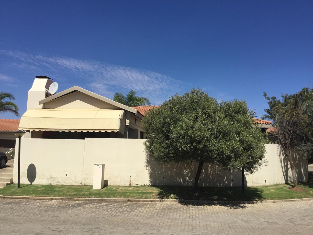 Silver Lakes Golf Estate property for sale. Ref No: 13460197. Picture no 21