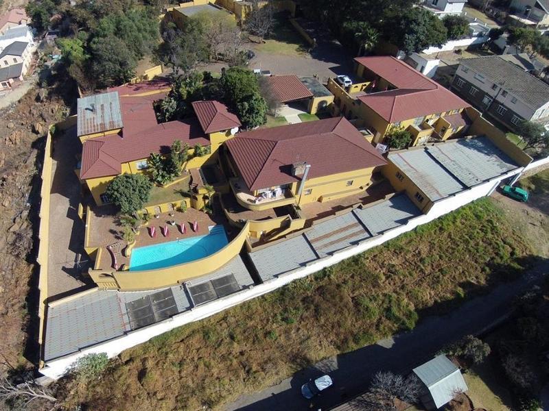 , House, 6 Bedrooms - ZAR 5,000,000