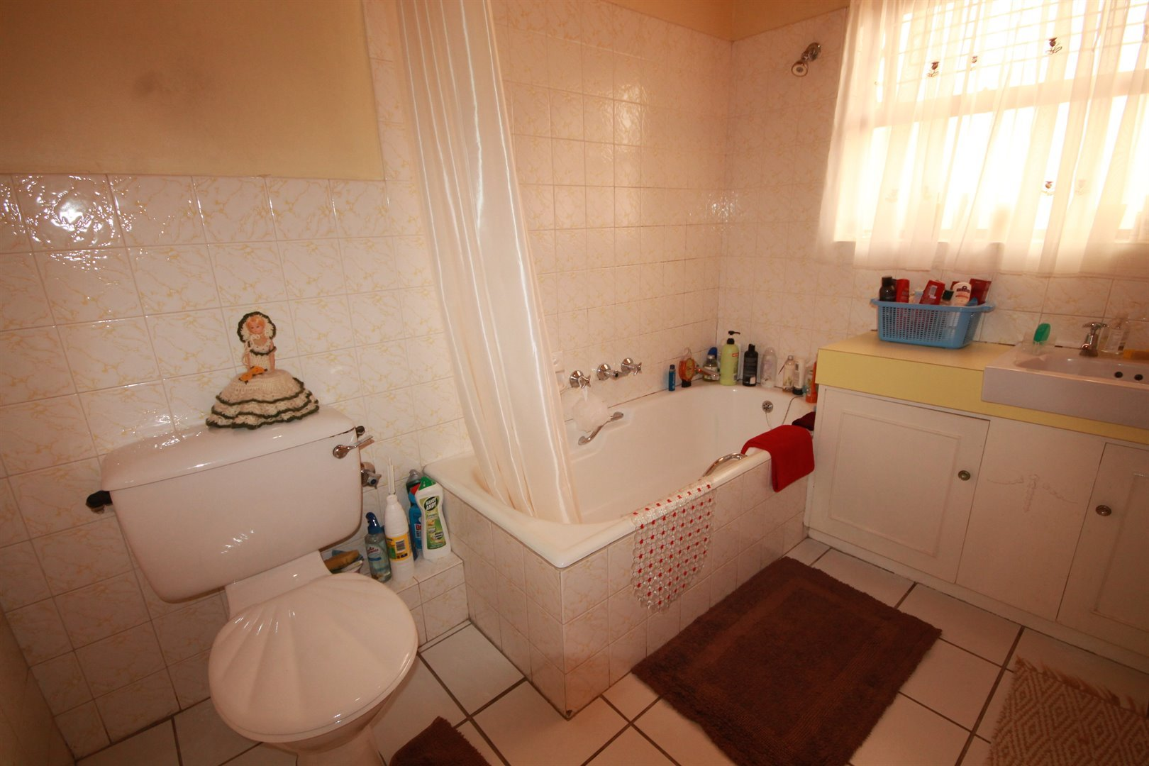 Pinelands property for sale. Ref No: 13463493. Picture no 18