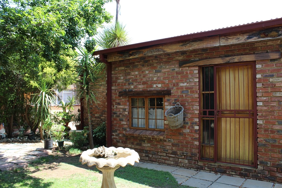 Potchefstroom property for sale. Ref No: 13408763. Picture no 3