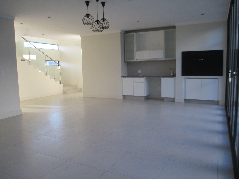 Midstream Ridge Estate property for sale. Ref No: 13479529. Picture no 4