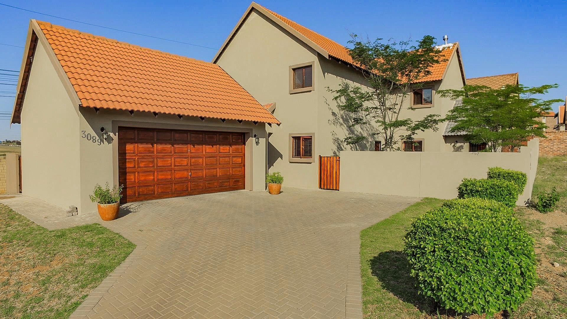 Centurion, Brooklands Lifestyle Estate Property  | Houses For Sale Brooklands Lifestyle Estate, Brooklands Lifestyle Estate, House 4 bedrooms property for sale Price:2,380,000