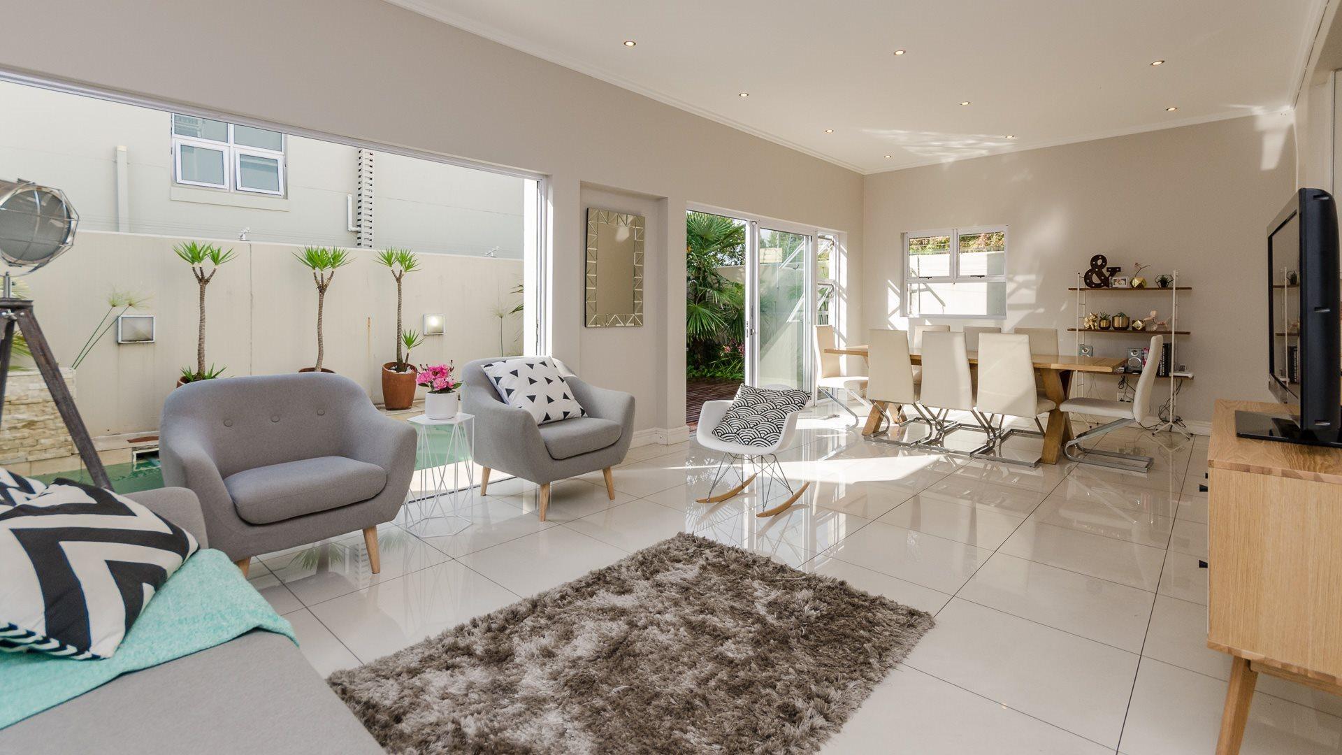 Johannesburg, Oaklands Property  | Houses For Sale Oaklands, Oaklands, Townhouse 3 bedrooms property for sale Price:3,500,000