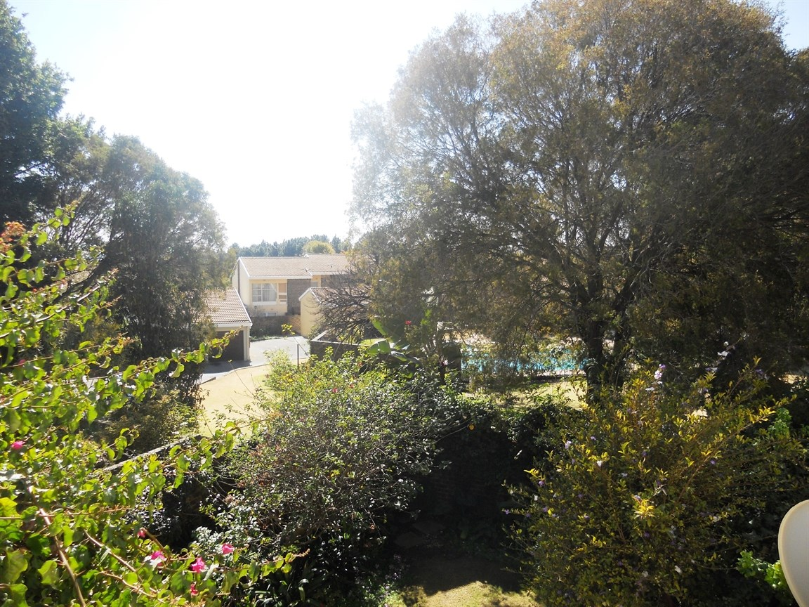 Bryanston property to rent. Ref No: 13526021. Picture no 14