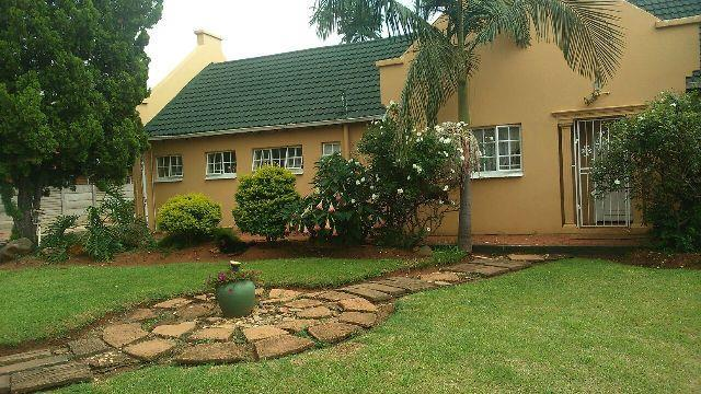 Property and Houses for sale in Karenpark, House, 2 Bedrooms - ZAR 1,557,000