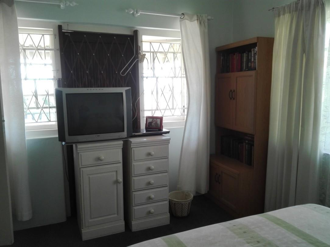 Uvongo property for sale. Ref No: 13435305. Picture no 12