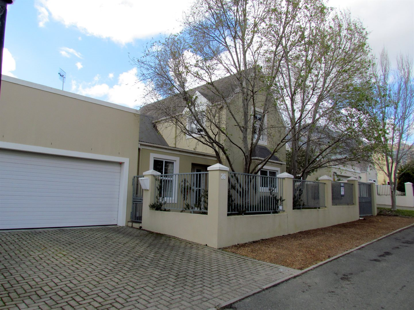 Property and Houses for sale in Paradyskloof, House, 3 Bedrooms - ZAR 4,650,000