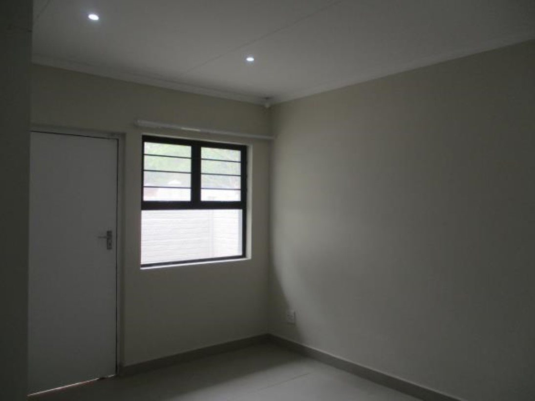 Pennington property to rent. Ref No: 13546587. Picture no 5