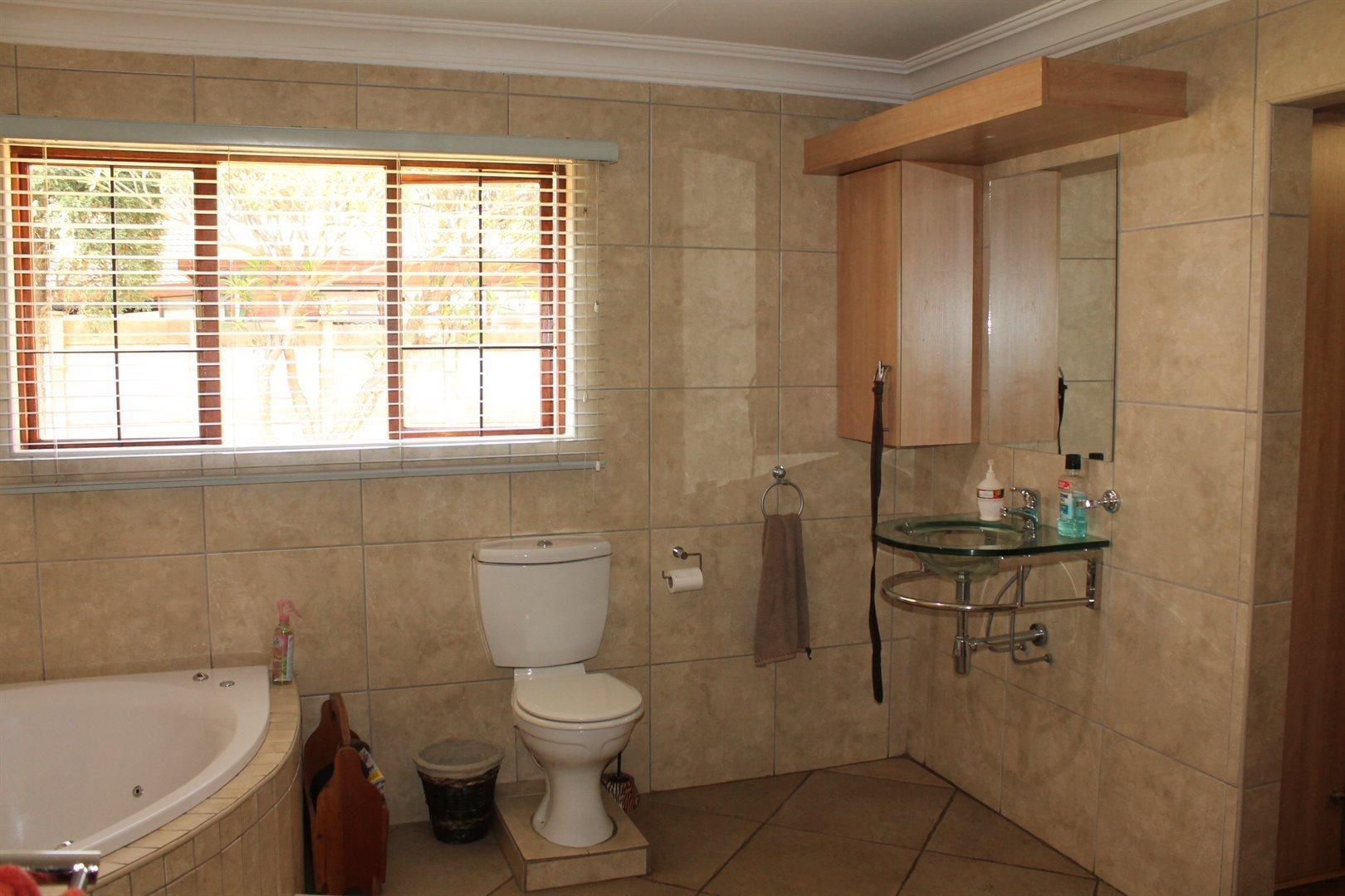 Pretoria North property for sale. Ref No: 13566722. Picture no 11