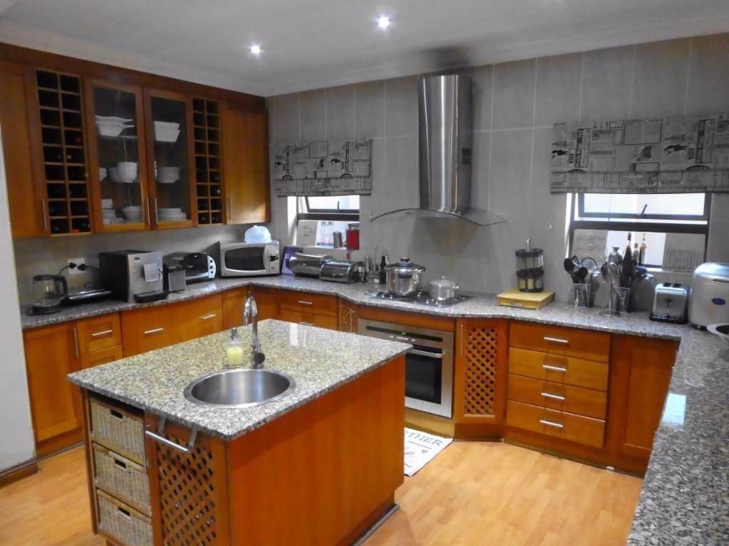 Midstream Estate property for sale. Ref No: 13506205. Picture no 9