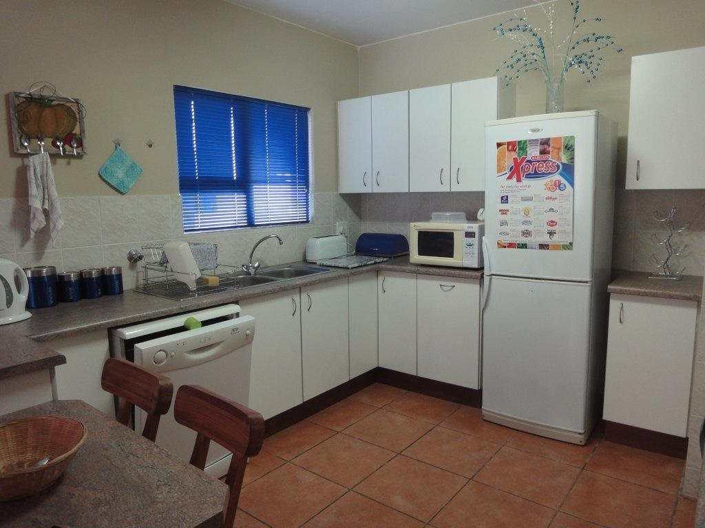 Uvongo property for sale. Ref No: 12774968. Picture no 8