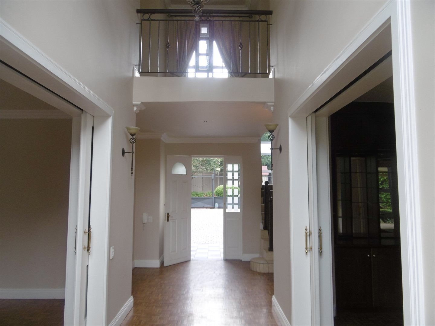 River Club property to rent. Ref No: 13552407. Picture no 6