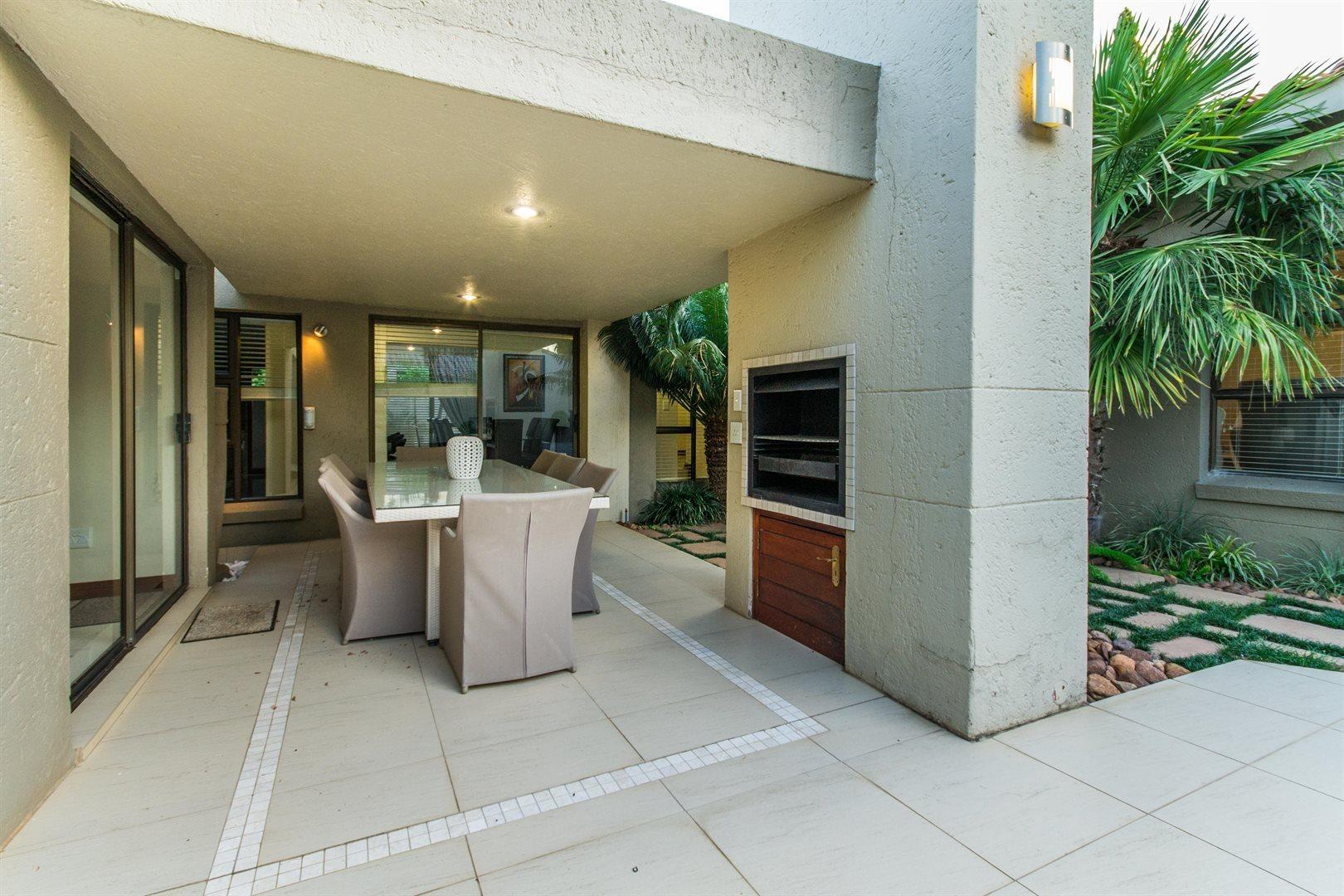 Dainfern Golf Estate property for sale. Ref No: 13526007. Picture no 19