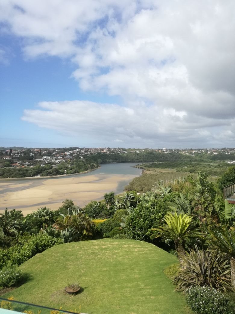 Beacon Bay property for sale. Ref No: 13566308. Picture no 36
