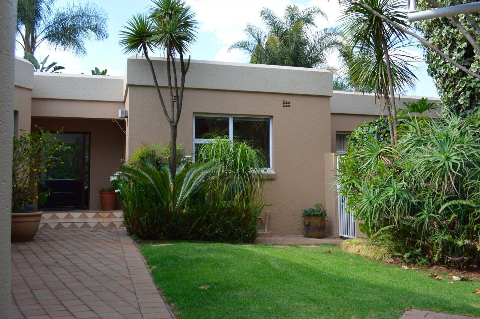 Sandton, Hurlingham Manor Property  | Houses To Rent Hurlingham Manor, Hurlingham Manor, House 3 bedrooms property to rent Price:, 24,00*