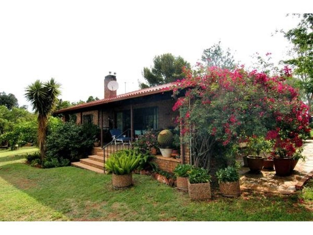 Pretoria, Wildebeeshoek Property  | Houses For Sale Wildebeeshoek, Wildebeeshoek, Farms 2 bedrooms property for sale Price:4,200,000