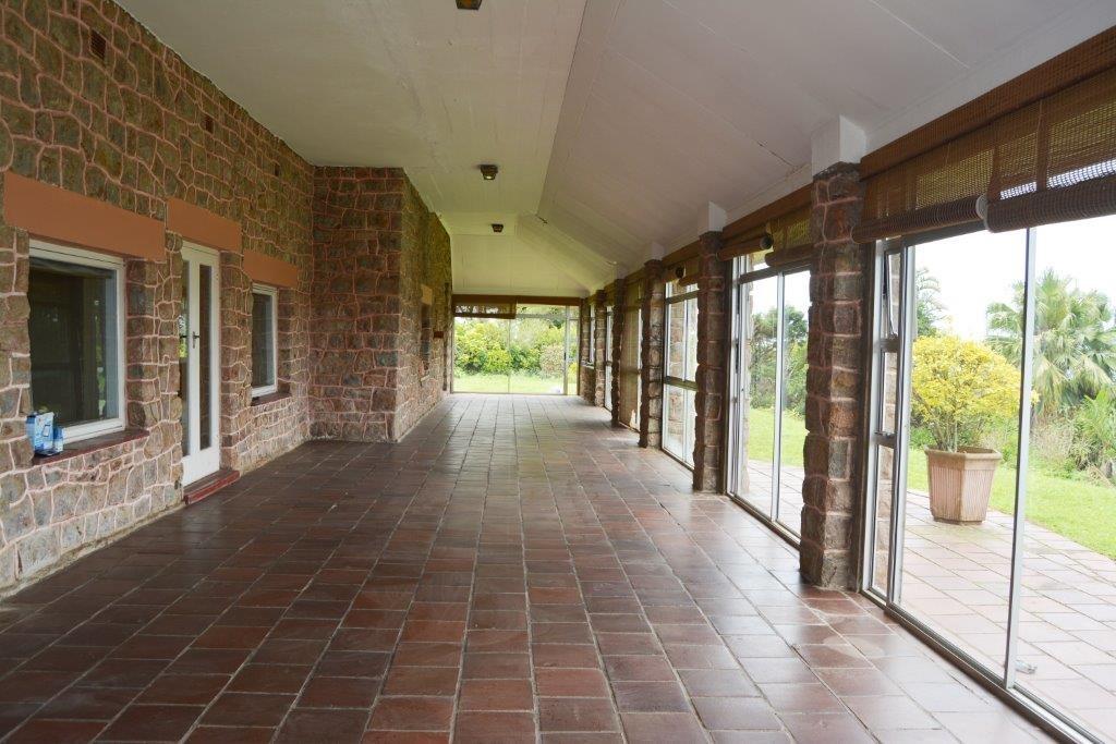 Woodgrange property for sale. Ref No: 13413908. Picture no 12