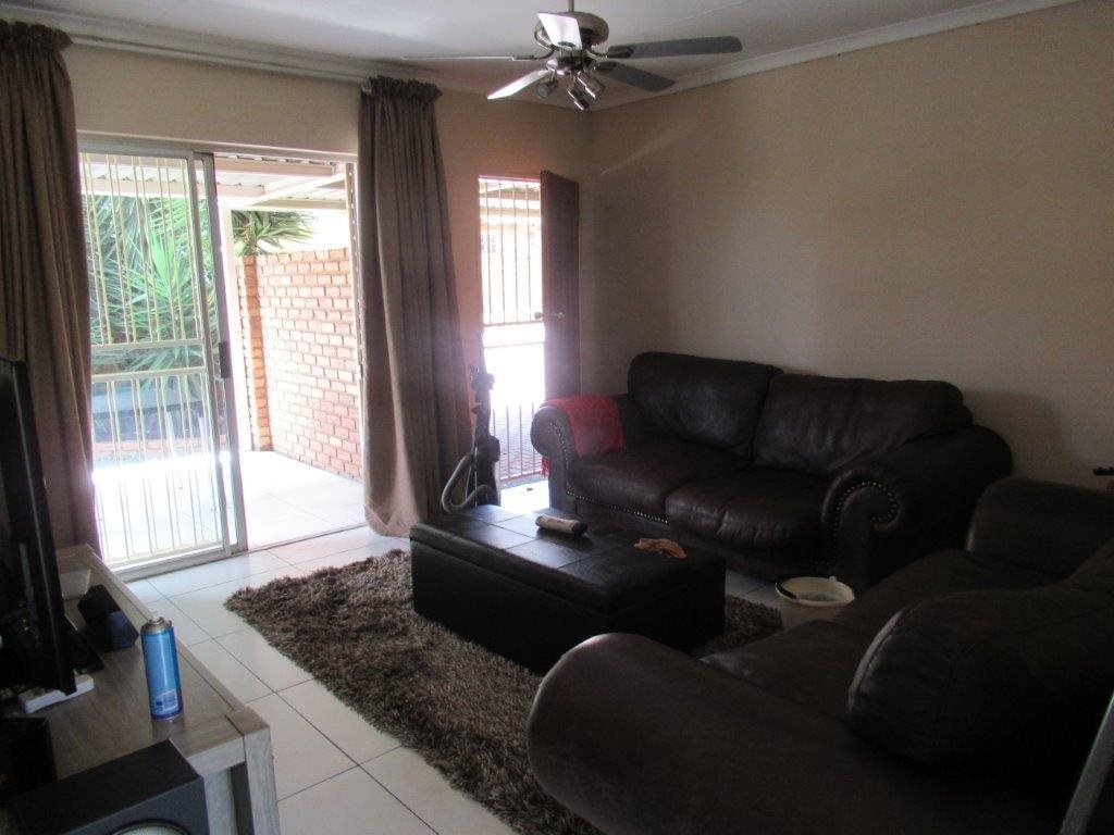 Highveld property for sale. Ref No: 13566297. Picture no 18