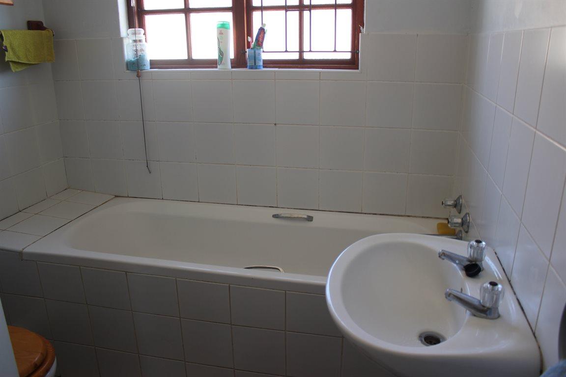 Vredenburg property for sale. Ref No: 13436335. Picture no 22