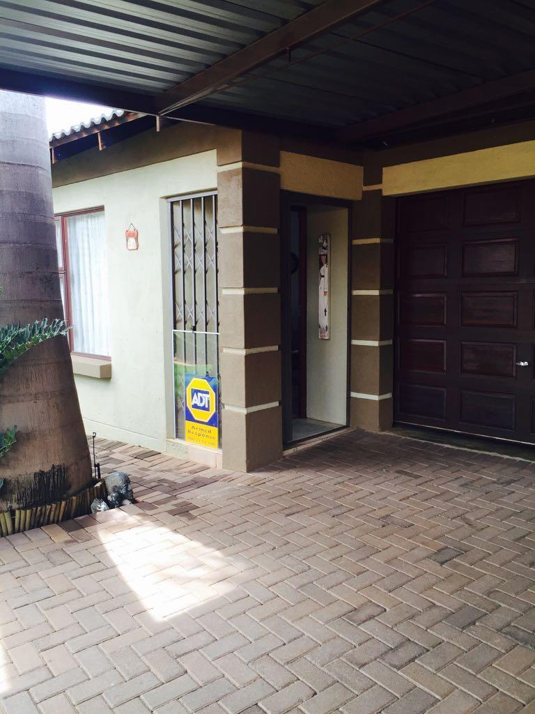 Akasia property for sale. Ref No: 13553025. Picture no 26