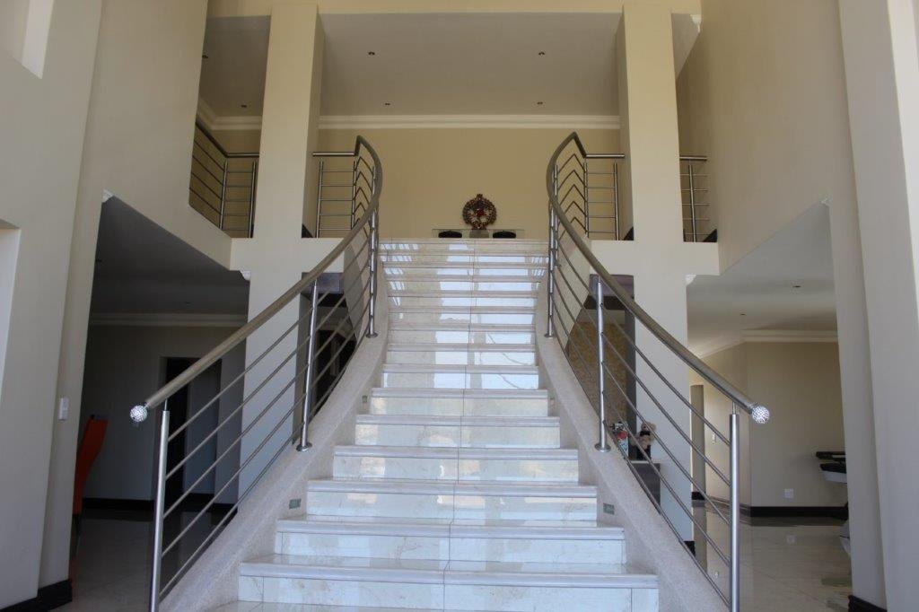 Blue Valley Golf Estate property for sale. Ref No: 13371077. Picture no 12