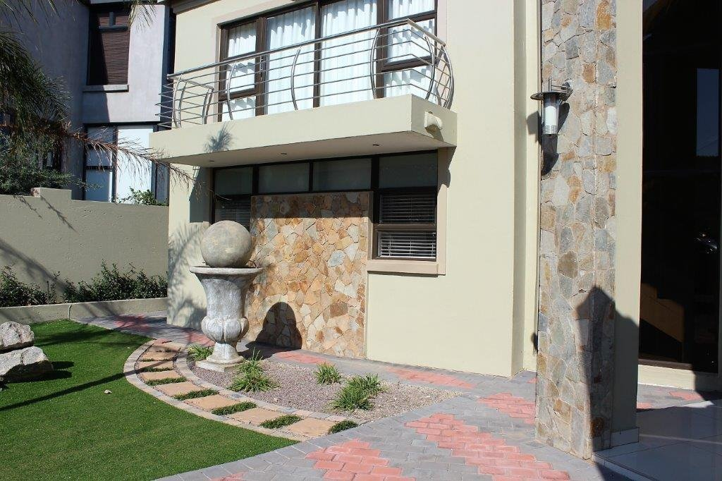Blue Valley Golf Estate property for sale. Ref No: 13491559. Picture no 35