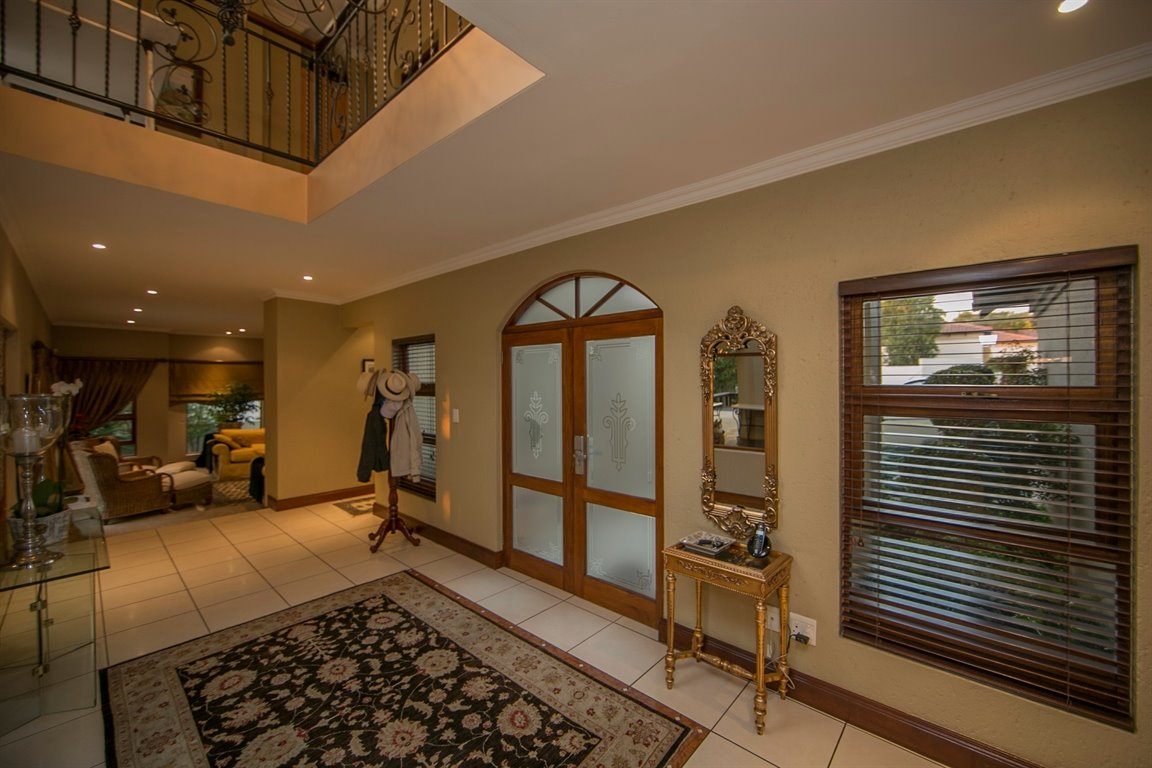 Fourways property for sale. Ref No: 13401727. Picture no 2