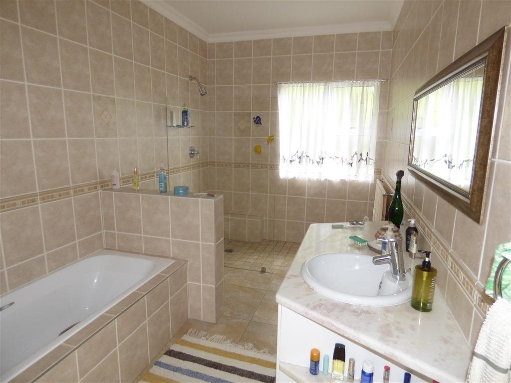 Southbroom property for sale. Ref No: 13393807. Picture no 13