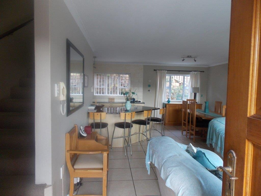 Amanzimtoti property for sale. Ref No: 13372994. Picture no 3