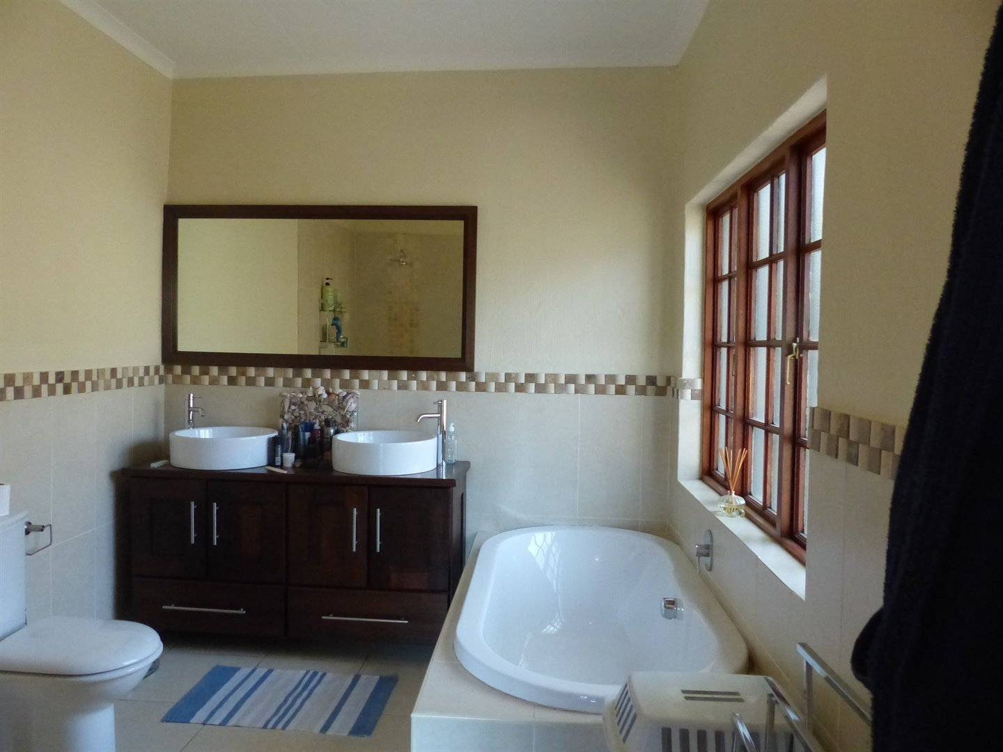 Lonehill property for sale. Ref No: 13510828. Picture no 17